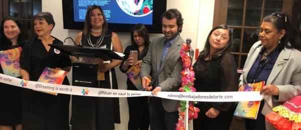 Pinturas, esculturas y fotografías hicieron parte de la Noche de Galería realizada en el Consulado de Colombia